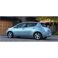 Nissan Leaf Japonya'da Yılın Otomobili Seçildi