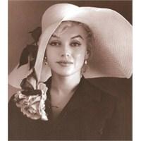 Marilyn Monroe'yu Canlı Görmek Mi?
