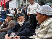 Emekliye 100 Tl Seyyanen Zam Geliyor