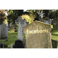 Ölünce Facebook Hesabına Ne Oluyor?