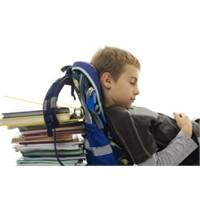Okula Giden Çocuklarda Sırt Ağrısı