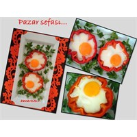 Kırmızı Biber Çanağında Omlet