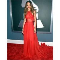 2013 Grammy Ödül Töreninde Ünlüler Neler Giydi