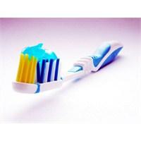 Dişlerimize İyi Bakmıyoruz