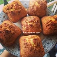 Zencefilli, Tarçınlı, Portakallı Ve Havuçlu Kek