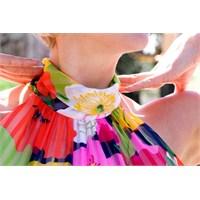 Küçük Göğüslü Kadınlar İçin Giyim Önerileri