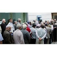 Bankalar Emekli Maaşının Peşinde