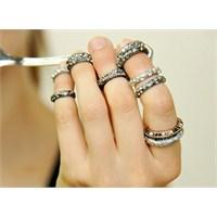 Trend: Chanel Tırnak Yüzükleri