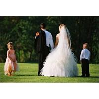 Nişan, Düğün Var Dediler Geldik