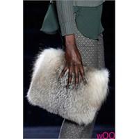 Yeni Trend: Kürklü Çanta Modelleri