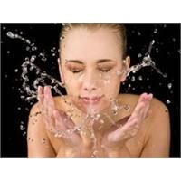 Yüzünüzü Doğru Temizliyor Musunuz?