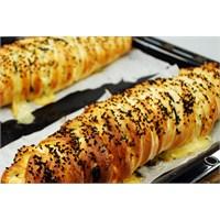 Tulum Peynirli Ispanaklı Örgü Börek | Oktay Usta