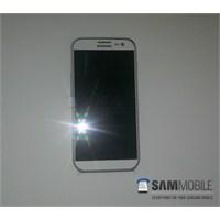 Samsung Galaxy S4'ün Görüntüleri Sızdı Mı?