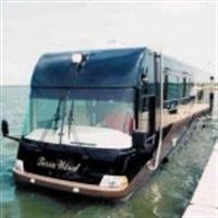 Suda Giden Otobüs
