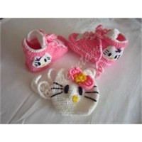 Hello Kitty'li Convers Ve Çantası