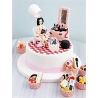 Anneler Günü İçin Esprili Pastalar