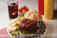 Hamburger Yiyen Çocuklarda Astım Riski Fazla