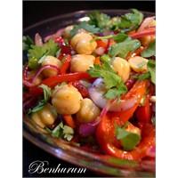 Kişnişli Nohut Salatası