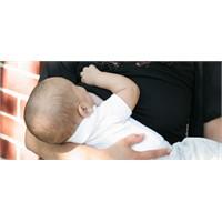 Bebeğe ek sıvı annenin sütünü azaltır
