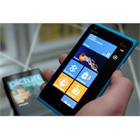 Nokia Lumia 900 Geliyor