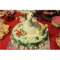 Dinozor Cemik'in Doğum Günü