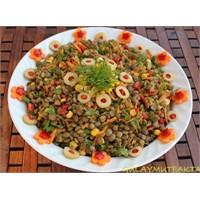 Mısırlı Yeşil Mercimek Salatası