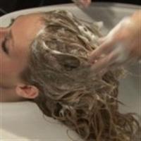Saçları Hergün Yıkamak Çok Zararlı