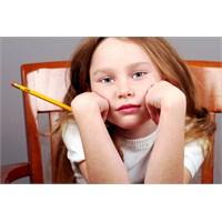 Bir Anne Kabusu; Çocuğunun Ödevini Yaptırmak
