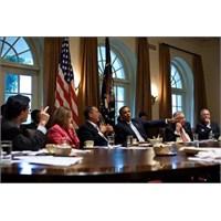 Darwine Göre Obama İnsansı Bir Maymundu!