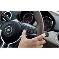 Siri Artık Opel Adam'da!