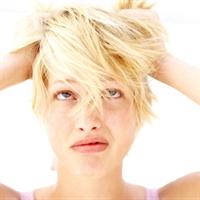 Boyası Gelen Saç Diplerinizi Nasıl Saklarsınız??
