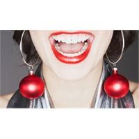 1 Saatte Beyaz Dişlere Sahip Olun