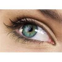 Şişkin Gözlerden 5 Dakikada Kurtulun
