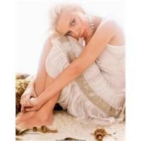 Scarlett Johansson'dan Yine Bir Cover Şarkı: Bulle