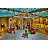 Brüksel Karikatür Müzesi - Ten Ten , Şirinler ...