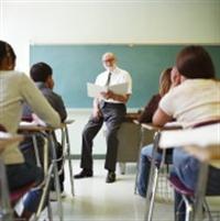 Fefliden Öğretmen, Akademisyenden Dost Olmaz