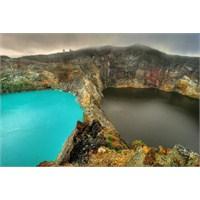 Üç Renkli Üç Göl, Kelimutu Gölleri