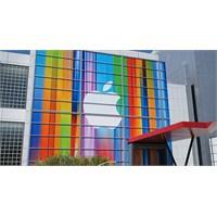 Apple'a Bir Davada Eski Çalışanlarından...