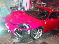 Ferrarisini Çarpan Bilge