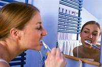 Yemekten Hemen Sonra Dişlerinizi Fırçalamayın