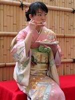 Japonların Kilo Almadan Yıllarca Genç Kalmalarının