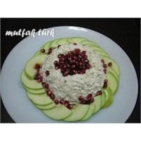Ekşi Yeşil Elmalı Kereviz Salatası
