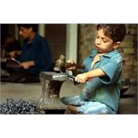 Çocuk Yaşta Çalışmanın Zararları