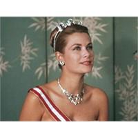 2011 Modasında Saray Mücevherleri Başrolde