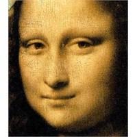 Hüzün Ve Tebessümün Ortak Yüzü : Mona Lisa