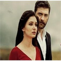 """Sultan Dizisi """"Aşka İnanmıyorum"""" Şarkısı"""