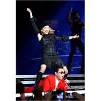 Madonna'dan Psy Sürprizi