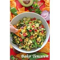 Cipsli Avokado Salatası