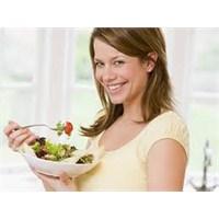 Kereviz Saplı Zayıflatan Salata