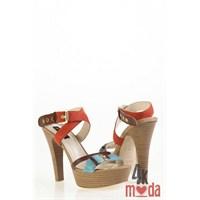 Kemal Tanca'nın En İddialı Ayakkabı Modası